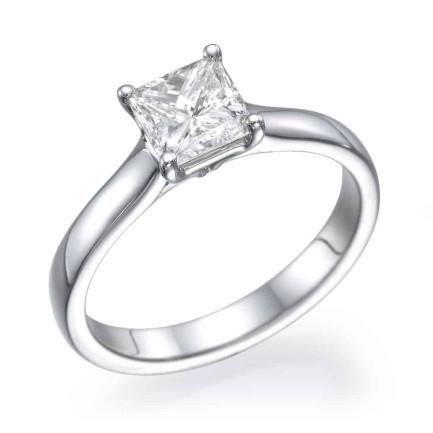 טבעת אירוסין - טבעת יהלומים - דגם טבעת פרינסס חלקה