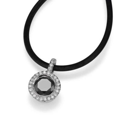 שרשרת יהלומים עם יהלום שחור