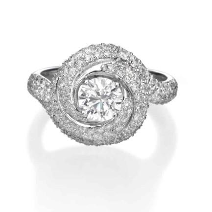 טבעת יהלומים בעיצוב ייחודי