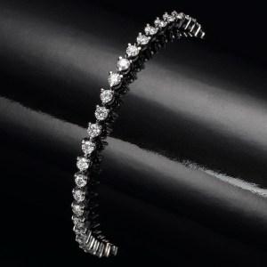 צמיד יהלומים - שיניים בשחור