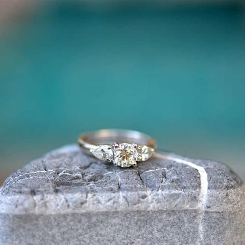 טבעת אירוסין טרי סטון