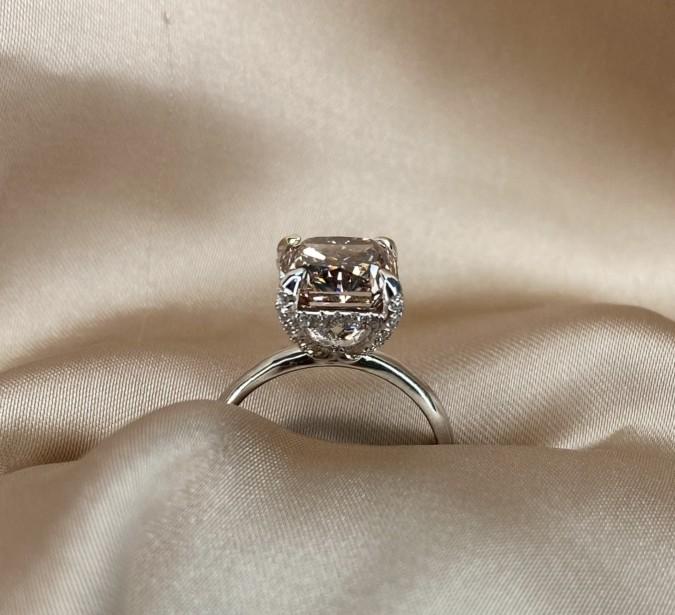 טבעת יהלום שמפיין, טבעת אירוסין זהב לבן