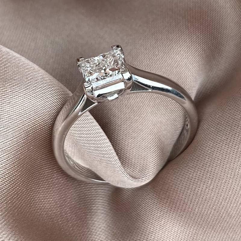 טבעת אירוסין פרינסס חלקה