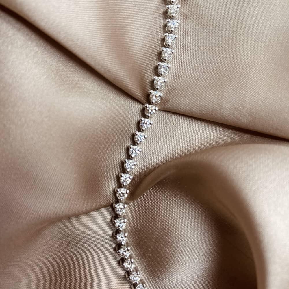 צמיד טניס יהלומים שיבוץ 3 שיניים