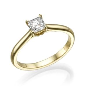 טבעת אירוסין - טבעת יהלומים - דגם טבעת פרינסס חלקה בצהוב
