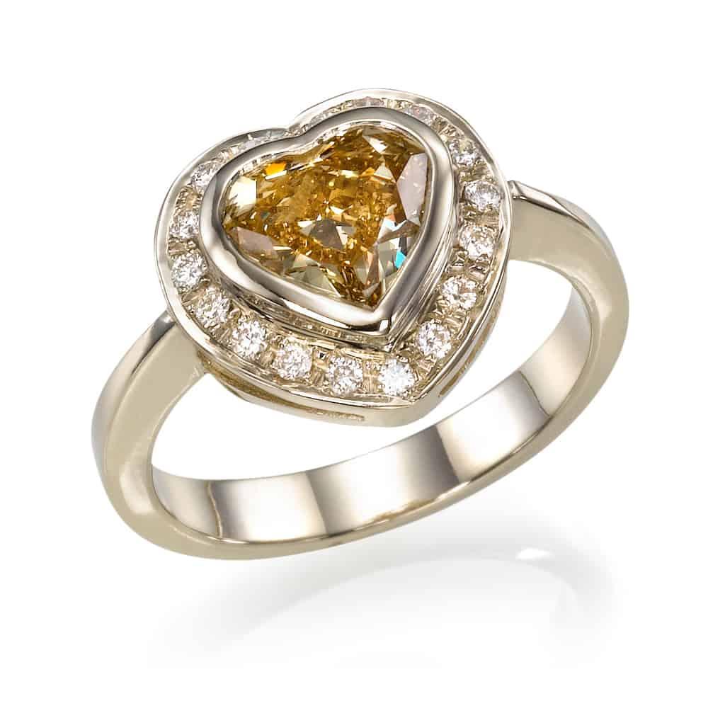 טבעת יהלומים לב פנסי קולור