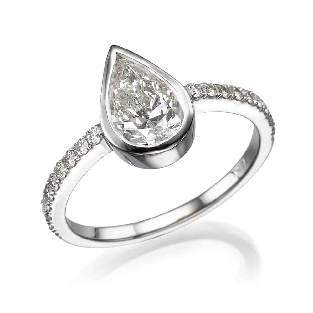 טבעת אירוסין טיפה בכוס