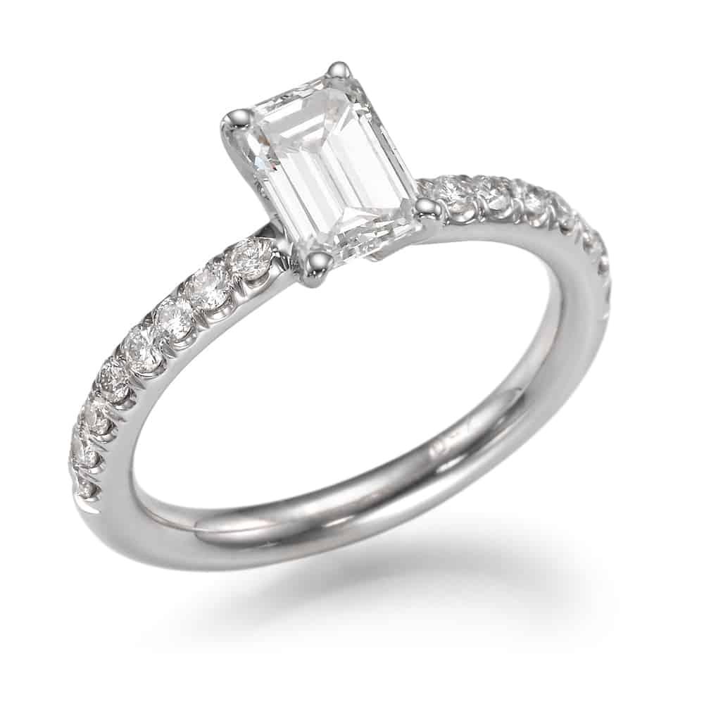 טבעת אירוסין צינור אמרלד