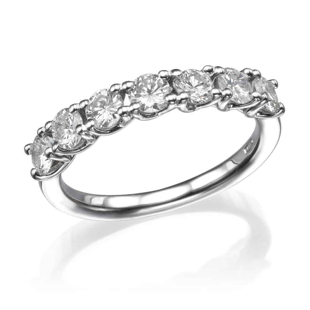 טבעת אירוסין - טבעת יהלומים - דגם טבעת חצי נישואין