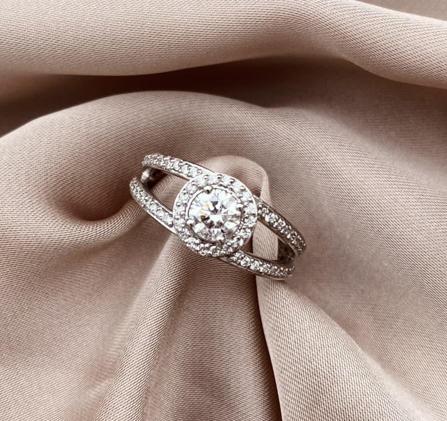 טבעת_אירוסין-שתי_שורות_עגולה