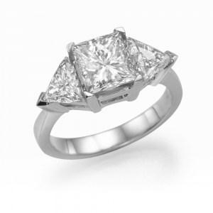 טבעת יהלום משולשים, זהב לבן
