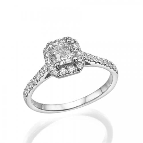טבעת אירוסין משובצת יהלום אשר-אמרלד קאט