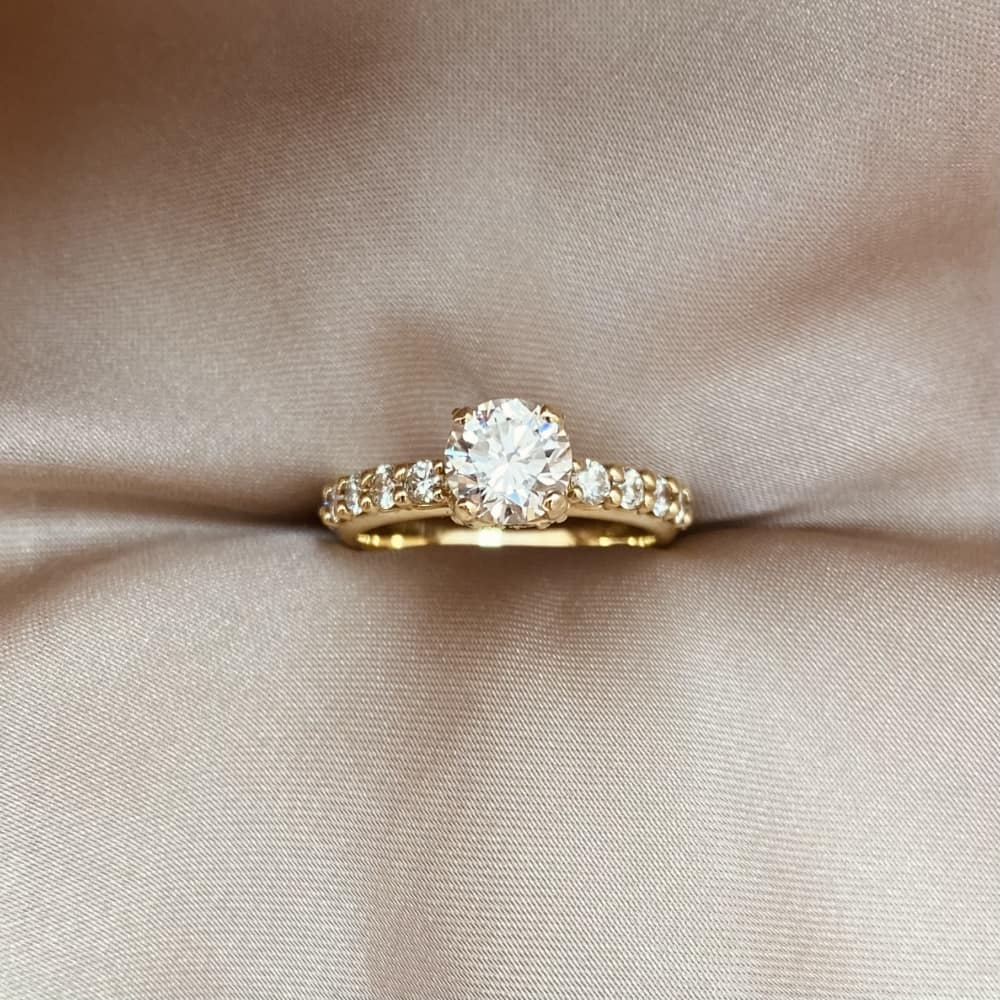 טבעת אירוסין, טבעת יהלומים כתר