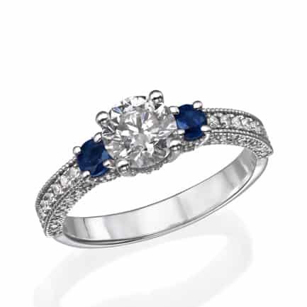 טבעת אירוסין טרי-סטון-יהלום-מרכזי-וספירים