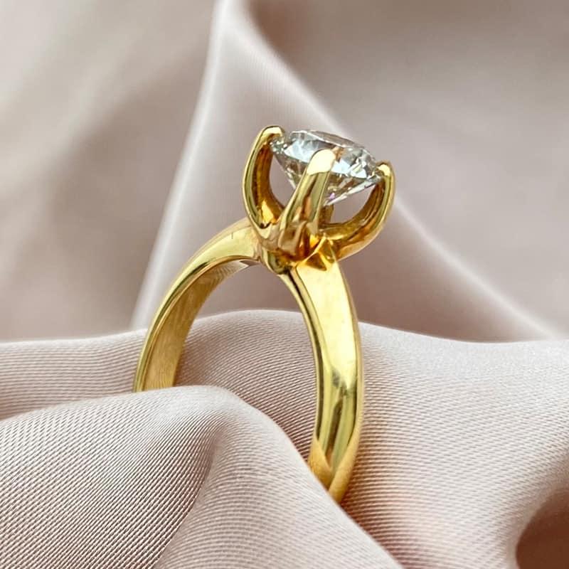 טבעת אירוסין יהלום קלאסית